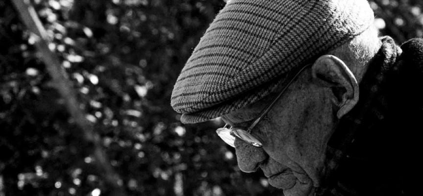 Resultado de imagen de soledad de los ancianos