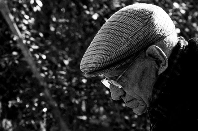 anciano-triste