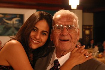 abuelo feliz