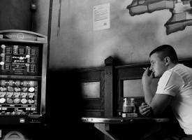 La juventud y la pobreza, factores de riesgo de recaída en las terapias para superar las adicciones al juego