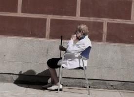 Nueve de cada diez pacientes con Alzheimer que viven solos son mujeres