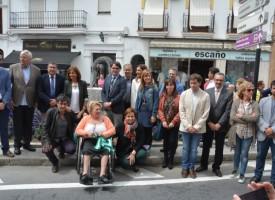 Inauguran una escultura en Vélez-Málaga que refleja la inclusión de personas con enfermedad mental