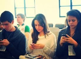 Una de cada veinte personas ya sufre adicción al móvil