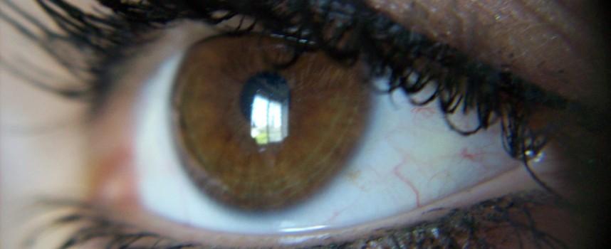 Un análisis no invasivo del ojo detecta signos precoces de alzhéimer