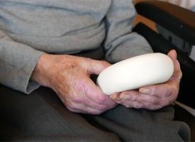 Instrumentos para estimular la mente de personas con Alzheimer