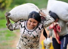Las mujeres que viven en zonas rurales sufren menos depresión