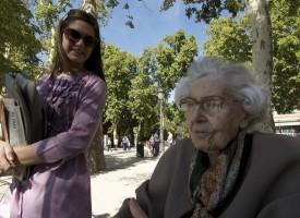 Casi 32.000 euros año año cuesta cuidar una persona con alzhéimer