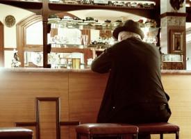 Las personas de edad avanzada también sufren adicciones asociadas a patologías