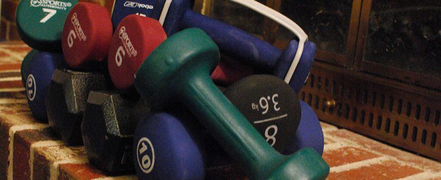 Levantar pesas puede ayudar a prevenir y revertir síntomas de depresión